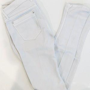 "Joe's Jeans - White Jeans ""Chelsea Skinny"" - 30"